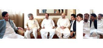 چودھری پرویزالٰہی سے گوجرانوالہ ڈویژن کے معروف وکلا کی ملاقات اور پاکستان مسلم لیگ میں شمولیت