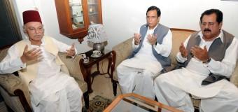 Ch Parvez Elahi and Tariq Bashir Cheema condole demise of Prince Falahuddin Abbasi with Nawab Salahuddin Abbasi