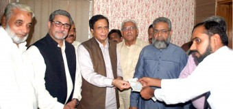 Moonis Elahi donates laparoscopy machine to Aziz Bhatti Hospital