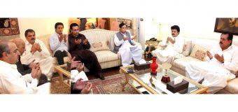 Ch Parvez Elahi, Tariq Bashir Cheema and Moonis Elahi offer fateha for wife of Ajmal Khan Wazir