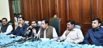 تعاون کا شکریہ، تبدیلی کے سفر میں ایک ساتھ ہیں: وزیراعظم عمران خان کا چودھری پرویزالٰہی کو ٹیلیفون