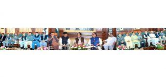 عمران خان کی حکومت ملک کو معاشی مسائل سے نکالنے کیلئے نیک نیتی سے کام کر رہی ہے، تاجر تعاون کریں: چودھری پرویزالٰہی