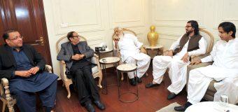 Sardar Maqsood Leghari, Dost Muhammad Mazari & Ahmed Sahi call on Ch Shujat Hussain