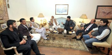 Two former MPA from Samundari Ch Mazhar Ali and Arif Mahmood Gill join PML, will contest local bodies' elections