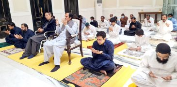 Ch Shujat Hussain, Parvez Elahi, Moonis Elahi, Salik Hussain and Hussain Elahi offered Eid prayers in Gujrat and prayed for the defense and prosperity of the country